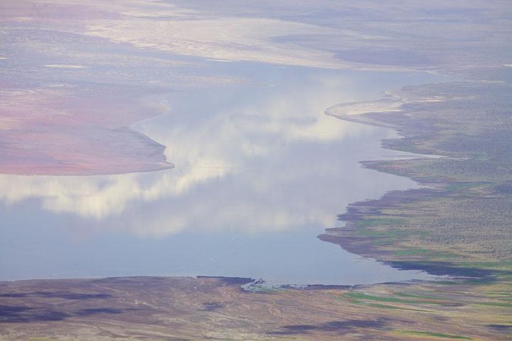 View onto Lake Natron seen from the summit of Lengai. (Photo: Tom Pfeiffer)