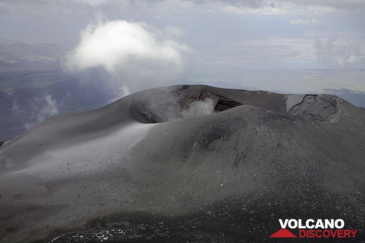 The group is crossing the crater,- they are just tiny spots in the picture.  (Photo: Tom Pfeiffer)