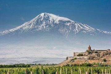 Mighty Ararat volcano across the Turkish border dominating the landscape of western Armenia. (Photo: Tom Pfeiffer)