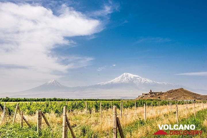 Famous Khor Virap monastery with the twin volcanoes of Ararat in the background. (Photo: Tom Pfeiffer)