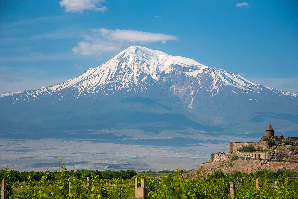 Mighty Ararat volcano seen with the medieval Khor Virap monastery and vineyards in the foreground. (Photo: Tom Pfeiffer)