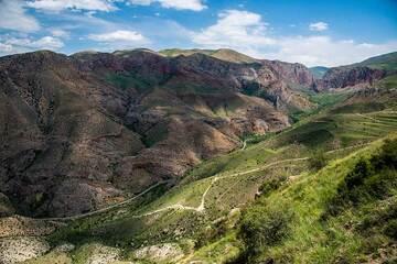 Zhangezur canyon with Novarank monastery in the background. (Photo: Tom Pfeiffer)