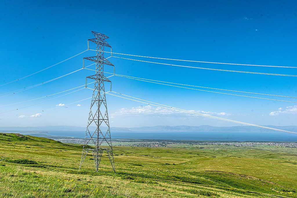 In recent years, Armenia has invested a lot into its infrastructure, such as modern power lines. (Photo: Tom Pfeiffer)
