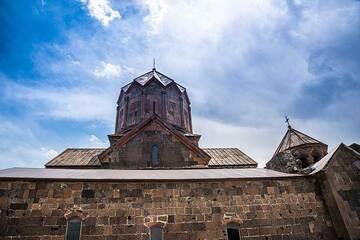 Summer sky above Saghmosavank Monastery. (Photo: Tom Pfeiffer)
