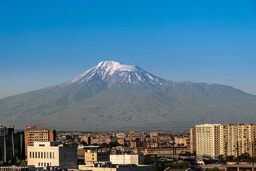 Morning view over Yerevan towards Ararat volcano on a clear early June day (Photo: Tom Pfeiffer)
