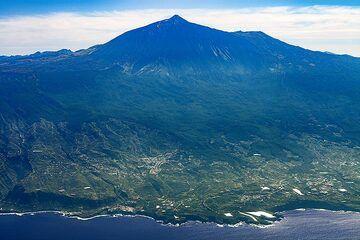 Aerial photograph of the Teide volcano on Tenerife island. (Photo: Tobias Schorr)