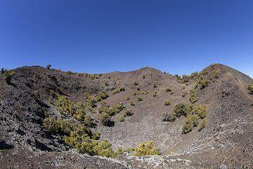 The western crater of Tanganasoga volcano on El Hierro island. (Photo: Tobias Schorr)