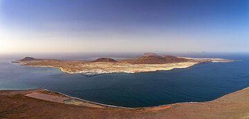 Panoramic view of La Graciosa island. (Photo: Tobias Schorr)