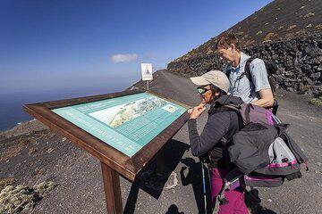 Information table at the Teneguia hiking path on La Palma island. (Photo: Tobias Schorr)