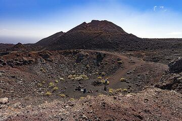 A parasitic crater of the Teneguia volcano on La Palma island. (Photo: Tobias Schorr)