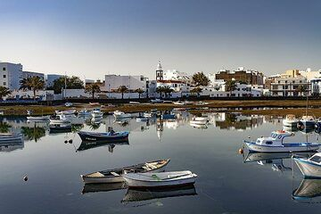 The harbour of Arrecife on Lanzarote island. (Photo: Tobias Schorr)