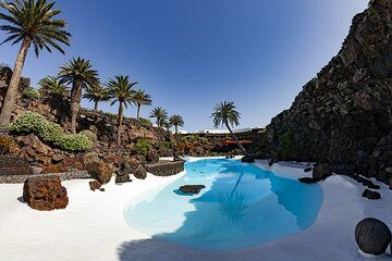 """The pools were crated by the famous architect Cesar Manrique at the lava cave """"jameos del qaua"""" on Lanzarote island. (Photo: Tobias Schorr)"""