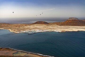 The island La Graciosa near to Lanzarote. (Photo: Tobias Schorr)