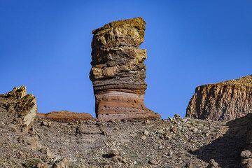 Rock of ash layers in the caldera of Teide volcano on Tenerife island. (Photo: Tobias Schorr)