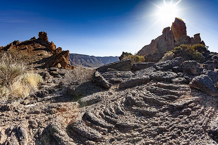 A hornito and its small lava flow in the caldera of Teide volcano. Tenerife island. (Photo: Tobias Schorr)