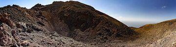 Panoramic view of the Teneguia crater on La Palma island. (Photo: Tobias Schorr)