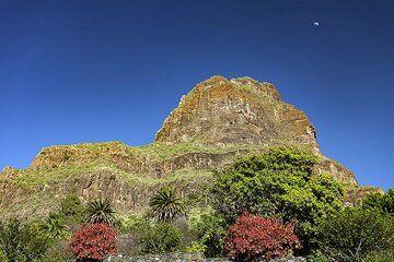 Huge part of an older Teide volcano dominating Masca village. Tenerife island. (Photo: Tobias Schorr)