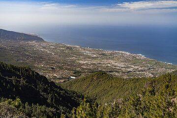 The area of the huge landslide area of Orotava on Tenerife island. (Photo: Tobias Schorr)