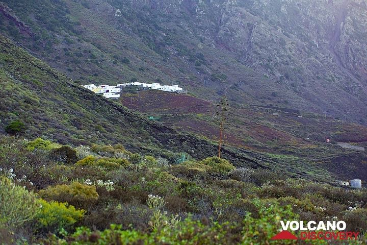 The isolated village Sabinosa (Photo: Tom Pfeiffer)