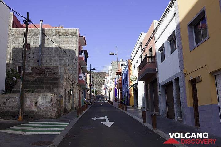 Deserted street in La Restinga (Photo: Tom Pfeiffer)