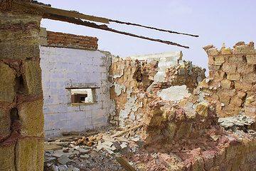 Ruins of the salt miners' houses at Dallol, Ethiopia (Photo: Tom Pfeiffer)