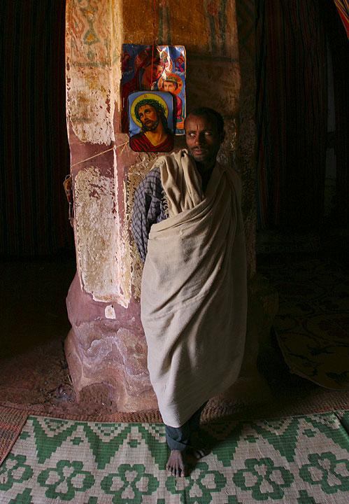 Priest in his church. Azba Abraham. (Photo: Tom Pfeiffer)