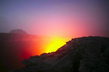 Licht und Farben mischen sich im Morgengrauen zu einer magischen Atmosphäre. (Photo: Tom Pfeiffer)