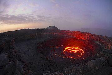 Erta Ale's lava lake in the evening (Photo: Tom Pfeiffer)