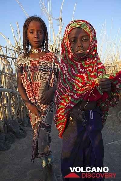 Afar girls (Photo: Tom Pfeiffer)