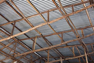 """Roof construction of the """"Sheraton"""" - a local and good restaurant. (Photo: Tom Pfeiffer)"""