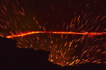 Spatter from lava fountaining at the lava lake of Erta Ale, Ethiopia (Photo: Tom Pfeiffer)