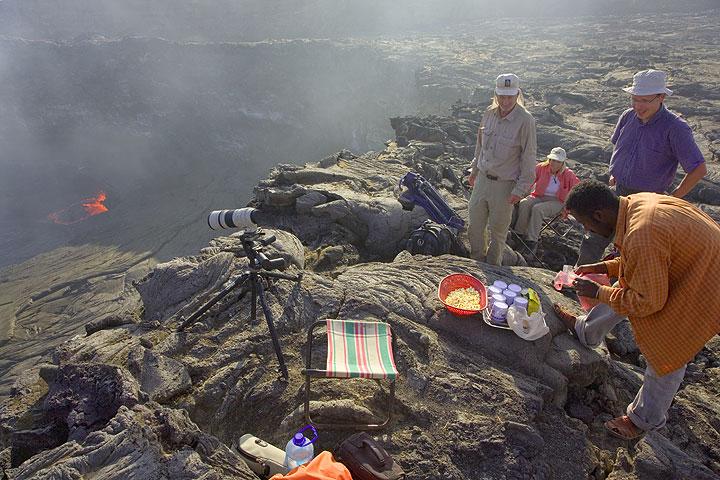 Tea time at the volcano (Photo: Tom Pfeiffer)