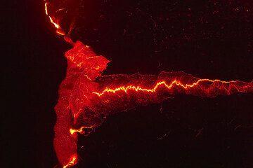 Volcán de Erta Ale: patrones de lava (Photo: Tom Pfeiffer)