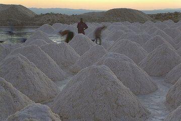 Piles of salt from a saline at Lake Afrera. (Photo: Tom Pfeiffer)