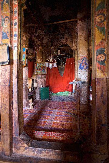 The interior of Abraha Atsbeha rock hewn church near Wukro (Photo: Tom Pfeiffer)