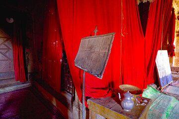 Inside Abraha Atsbeha church (Photo: Tom Pfeiffer)