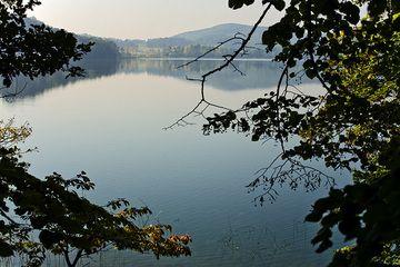 Der vulkanische Laacher See (letzte Eruption 10900 v.Chr.). (Photo: Tobias Schorr)