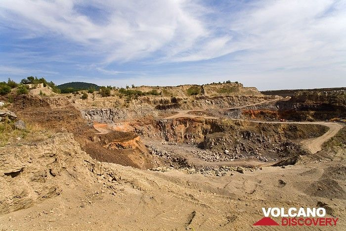 Ein Basalt-Steinbruch in der Nähe des Laacher See Vulkans (Photo: Tobias Schorr)