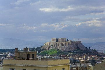 The Acropolis of Athens after a rain (March 2009) (Photo: Tom Pfeiffer)