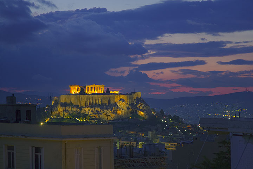 The Acropolis at dusk (Photo: Tom Pfeiffer)