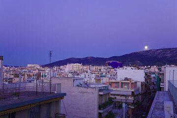 Full moon over Athens (Photo: Tom Pfeiffer)