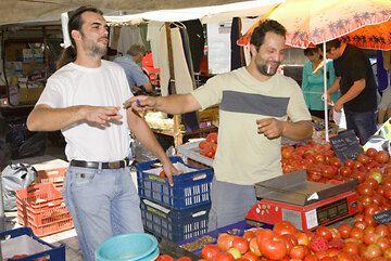 Tomato sellers (c)