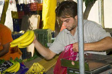 Banana seller (c)