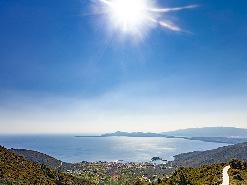 View over the small town Methana towards Kalavria and Poros islands. (Photo: Tobias Schorr)
