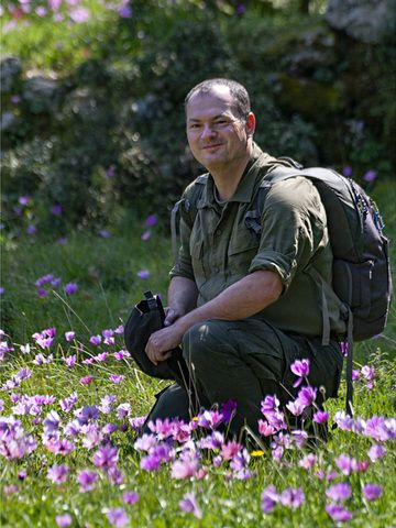 Tobias Schorr at the Makrylongos high plain on Methana. (Photo: Tobias Schorr)