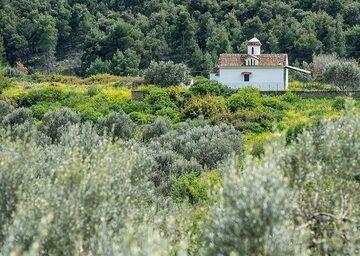 Small chapel (Photo: Tom Pfeiffer)