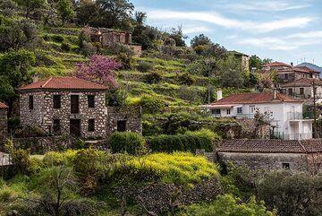 Houses in Kameni Chora (Photo: Tom Pfeiffer)