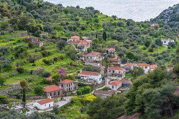 Kameni Chora village from above (Photo: Tom Pfeiffer)