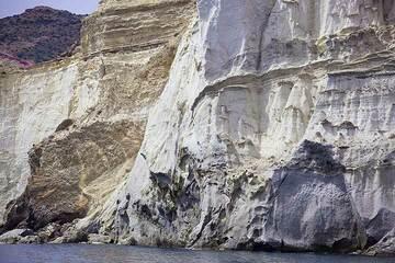 Milos Island (Greece): April 2012 - boat tour around the island (Photo: Tom Pfeiffer)
