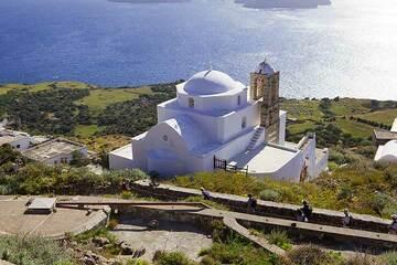 Milos Island (Greece) tour April 2012 - Plaka hike (Photo: Tom Pfeiffer)